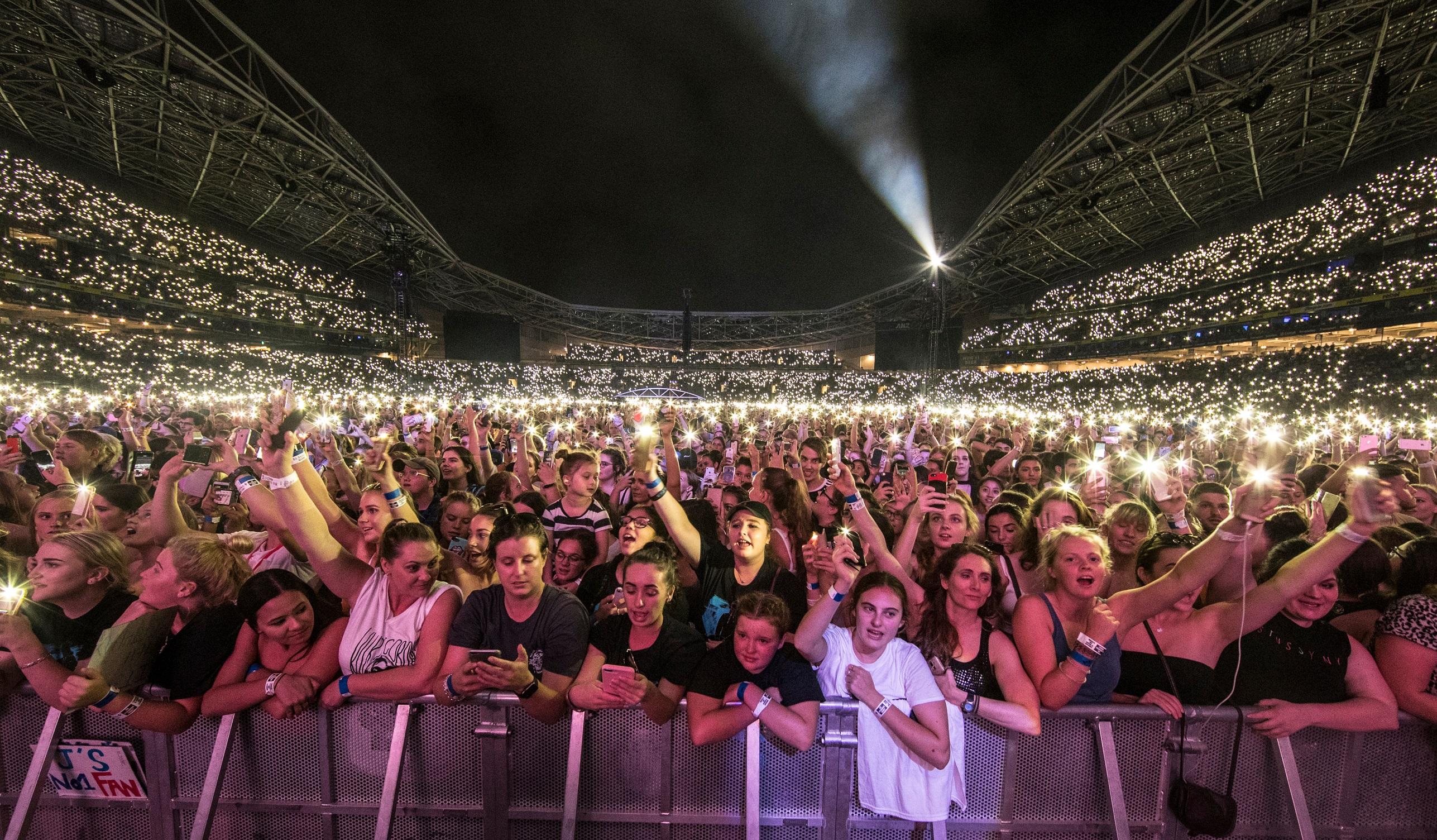 Ed Sheeran Crowd.jpg